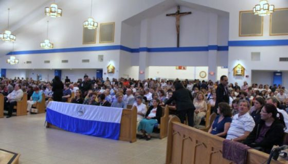 La comunidad de nicaragüenses en Miami se ha sumado a las oraciones por que se logre un cambio pacífico de Gobierno en Nicaragua. LA PRENSA/ JUDITH FLORES