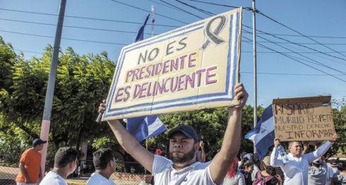 En las manifestaciones pacíficas de las últimas semanas se ha pedido la renuncia de Ortega. LA PRENSA/O. NAVARRETE