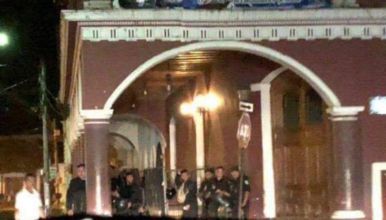 enfrentamientos en Granada, Granada, antimotines en Granada