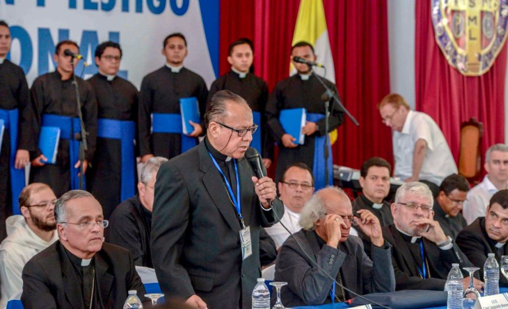 Monseñor Abelardo Mata, obispo de Estelí, habló en nombre de la Conferencia Episcopal para exigir el cese de la represión durante el diálogo nacional. LA PRENSA/ CARLOS VALLE