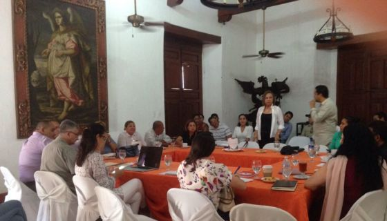 Momento en que la comisión llegó a los acuerdos en Granada. LA PRENSA / Lucía Vargas