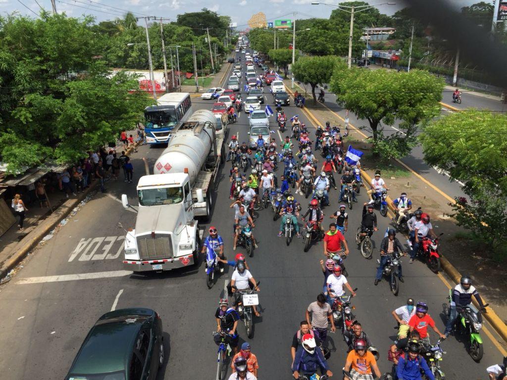 Caravana de manifestantes en Managua que visitaron todos los recintos universitarios con estudiantes en protesta. LA PRENSA / Cortesía