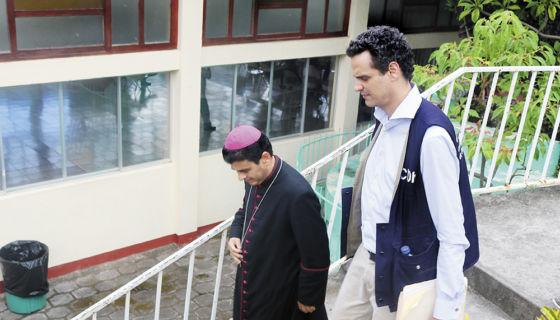 El secretario ejecutivo de la CIDH, Paulo Abrão, en su visita a Matagalpa se reunió con el obispo Rolando Álvarez. LA PRENSA/ L. MARTÍNEZ