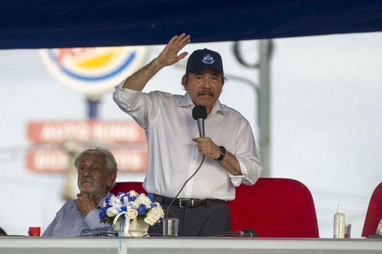Daniel Ortega durante uno de sus plantones en Managua el pasado 30 de abril. LA PRENSA/ ARCHIVO