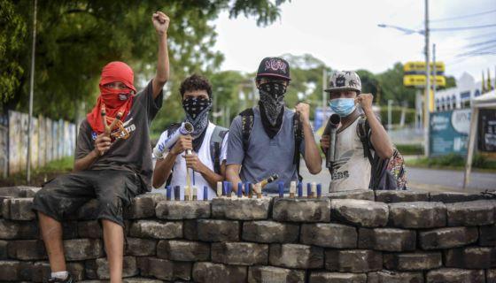 Niños y adolescentes también han participado activamente en las protestas contra el gobierno de Nicaragua. LA PRENSA/WILMER LÓPEZ