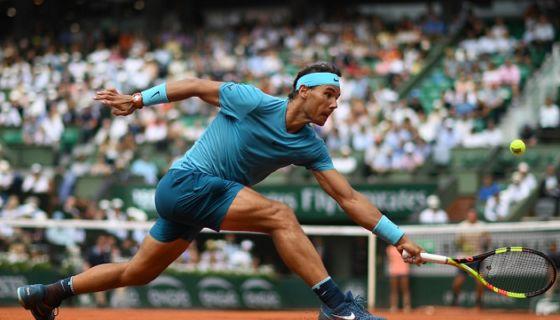 El español Rafael Nadal es número uno del ránking de la ATP y uno de los favoritos para quedarse con el título del Roland Garros. LA PRENSA/AFP / Christophe ARCHAMBAULT