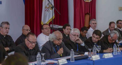 obispos, sacerdotes, diálogo nacional, Daniel Ortega, Monseñor Silvio Báez