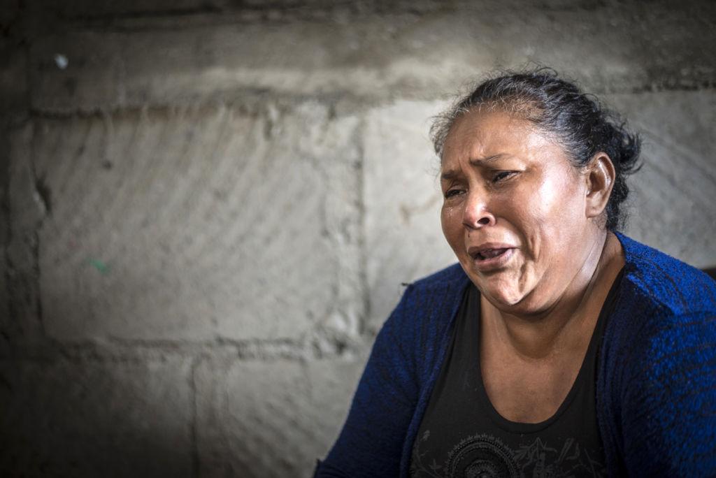 """Daniel Ortega y la Chayo no tienen corazón. Esas son unas bestias al igual que la Policía. Él es el que manda a matar. Él es el que tiene el poder de decir 'basta'"""". aURA lILA lÓPEZ, MAMÁ DE jUNIOR gAITÁN lÓPEZ."""