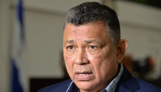 """Wilfredo Navarro, el diputado """"camaleón"""" de Nicaragua. Pasó de ser un gran crítico del FSLN a ser un gran defensor del Gobierno de Daniel Ortega para mantener su puesto en la Asamblea Nacional. LA PRENSA/ ARCHIVO"""