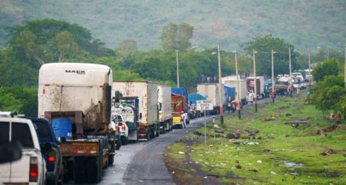 Los transportistas de carga pesada han sido afectados por los tranques en Nicaragua. LA PRENSA/ JADER FLORES