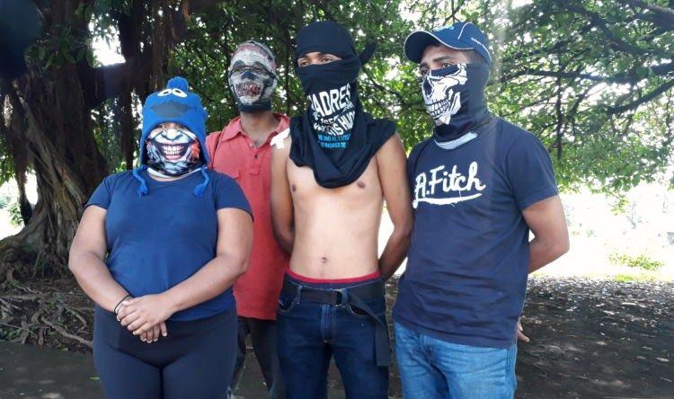 En el ataque a la UNAN-Managua un joven fue herido por una bala en el hombro.