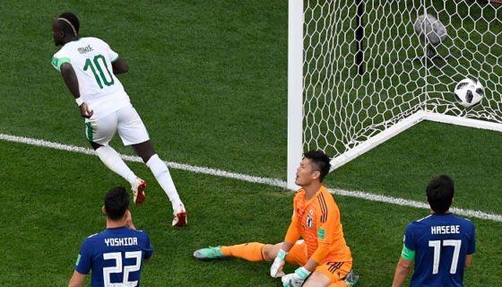 Sadio Mané (10) anotó su primer gol en un Mundial de Futbol, el de Rusia 2018, en el empate de Senegal y Japón. LA PRENSA/ AFP/ Kirill KUDRYAVTSEV