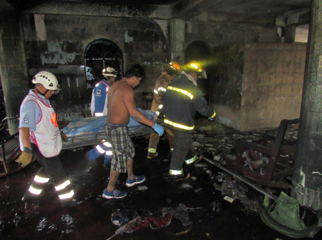 La casa fue quemada por paramilitares y policías en el barrio Carlos Marx de Managua según los sobrevivientes y vecinos.