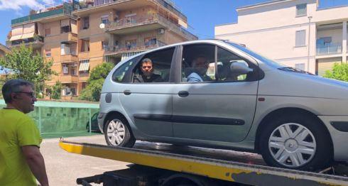 Asi llegaron al Vaticano el cardenal Leopoldo Brenes y monseñor Rolando Álvarez, luego que el vehículo en que se transportaban tuvo fallas mecánicas
