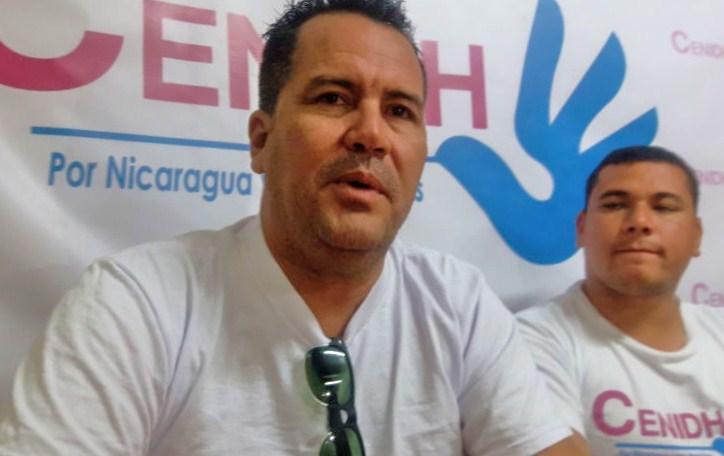 Marvin Gómez denuncia asedio ante el abogado del Cenidh. LA PRENSA/ELIZABETH ROMERO