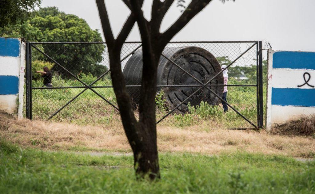 La Policía Nacional no quiso atender la invasión de la propiedad del Grupo Coen por parte de paramilitares el pasado viernes 29 de junio. LA PRENSA/ÓSCAR NAVARRETE