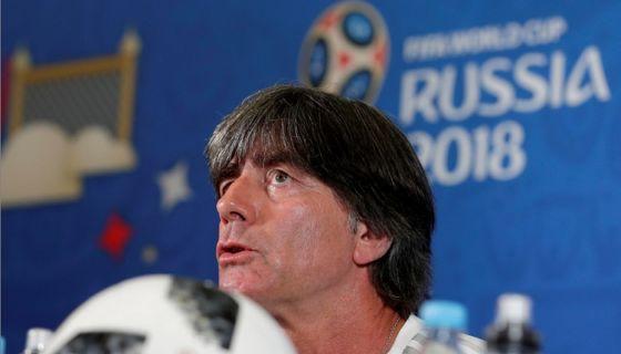Joachim Löw tiene contrato con la federación alemana de fútbol hasta 2022. LA PRENSA/EFE/Julio Muñoz