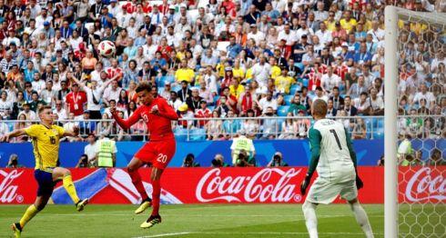 Dele Alli anotó de cabeza el segundo gol de Inglaterra ante Suecia, este sábado en el duelo de cuartos de final del Mundial de Rusia 2018. LA PRENSA/EFE/EPA/FELIPE TRUEBA