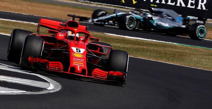 El alemán Sebastian Vettel lidera la clasificación del Mundial de Fórmula, por delante del británico Lewis Hamilton. LA PRENSA/EFE/EPA/GEOFF CADDICK