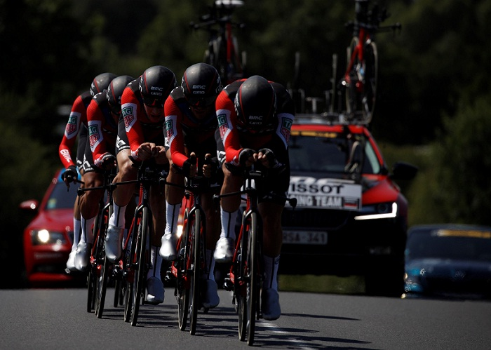 El equipo BMC ganó la contrarreloj por equipo, en la tercera etapa del Tour de Francia, realizada este lunes. LA PRENSA/EFE/Yoan Valat