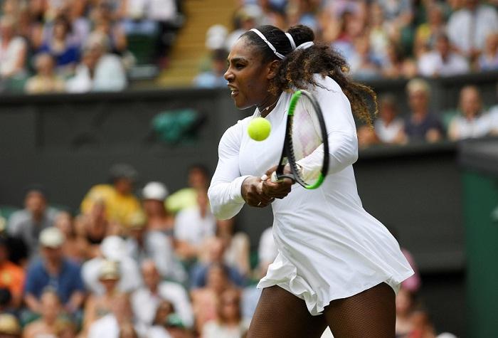 La estadounidense Serena Williams se clasificó a cuartos de final de Wimbledon, torneo que vio eliminadas a las principales diez jugadores en el ranking de la WTA. LA PRENSA/EFE/ Neil Hall