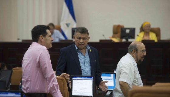 Daniel Ortega, Terrorismo, criminaliza protesta, represión, ley contra el lavado de dinero, tranques