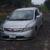 Carro baleado y con manchas de sangre fue abandonado frente al Country Club Nejapa