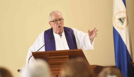sacerdote Raúl Enríquez