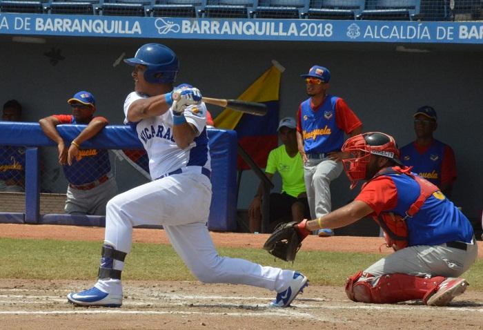 Javier Robles conectó un triple y empujó par de carreras para Nicaragua ante Venezuela, en los Juegos Centroamericanos y del Caribe de Barranquilla. LA PRENSA/CORTESÍA