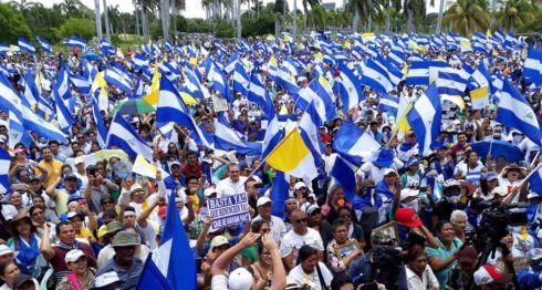La marcha en Managua concluyó en la Catedral Metropolitana. LA PRENSA/ÓSCAR NAVARRETE. Cenidh