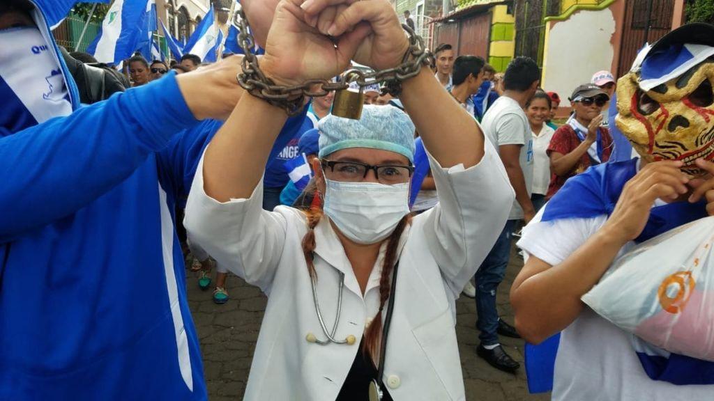 Los despidos de médicos en Nicaragua por apoyar las protestas inició en León. Fueron más de 40 los expulsados por el orteguismo. LA PRENSA/ EDDY LÓPEZ