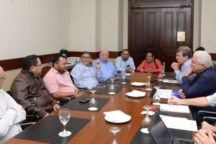 Los representantes de la Sociedad Interamericana de Prensa (SIP) se reunieron medios de comunicación en Nicaragua. LA PRENSA/ URIEL MOLINA