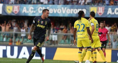 Federico Bernardeschi marcó el gol que le dio su primera victoria de la temporada de la Serie A al Juventus, este sábadop. LA PRENSA/EFE/EPA/FILIPPO VENEZIA