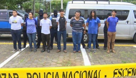 detenidos, León