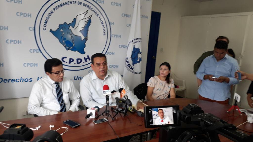 Marcos Carmona y Julio Montenegro de la CPDH. LA PRENSA/ ELIZABETH ROMERO