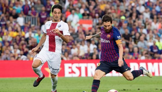 Lionel Messi anotó par de goles en la victoria del Barcelona 8-2 frente al Huesca, en la jornada de este domingo en La Liga española. LA PRENSA/EFE/Marta Pérez