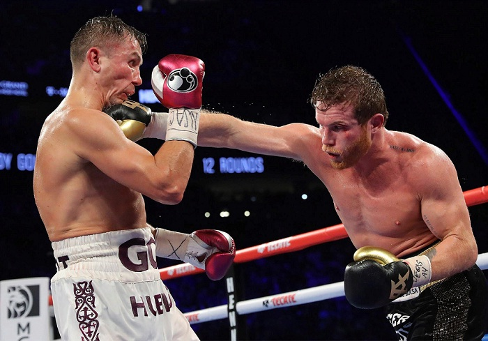 Canelo Álvarez derrotó a Gennady Golovkin este sábado en Las Vegas, arrebatándole sus dos coronas mundiales de las 160 libras y el estatus de invicto. LA PRENSA/EFE/Tom Hogan/Golden Boy Promotions