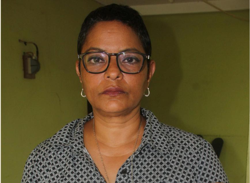 Marcia Lorena Montes Sandino, tenía 20 años de trabajar en el Sistema de Biblioteca de la Universidad Nacional Autónoma de Nicaragua (UNAN-León). También fue despedida hace varias semanas. LA PRENSA/ EDDY LÓPEZ