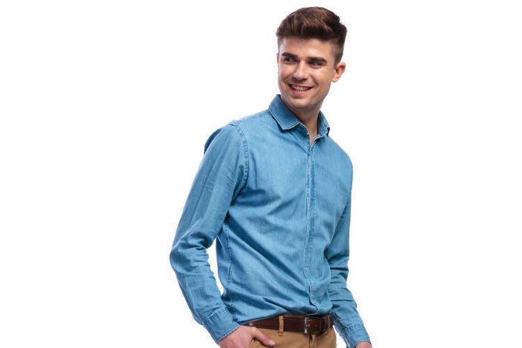 eb92ed4c386 Moda| Pantalones de colores para hombres