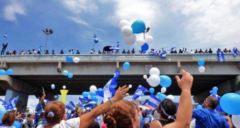Marcha de los globos recorriendo las calles de Managua hasta llegar a Rotonda del paso desnivel en Rubenia.Managua 9 de septiembre del 2018. LA PRENSA/ Manuel Esquivel