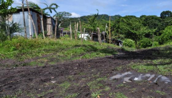 Hace dos años que los pobladores de este asentamiento esperan que las comuna los reubique de esa zona. LA PRENSA/M. Rodríguez