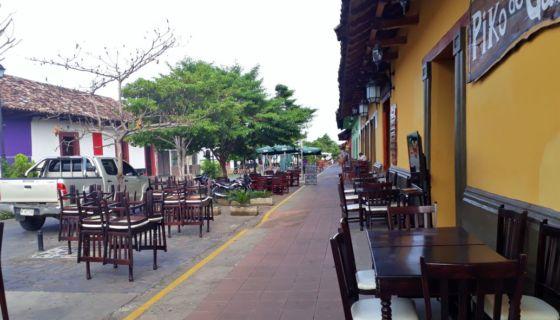 El turismo ha caído fuertemente en Granada por la crisis. Más de 100 negocios han cerrado. LA PRENSA/ LUCÍA VARGAS