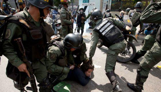 protestas, represión, métodos, Daniel Ortega, Nicolás Maduro