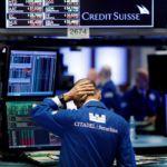 Pánico en las bolsas mundiales por el coronavirus. Inversionistas pierden 5,000 millones de dólares