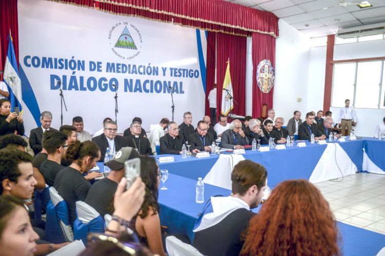 Conferencia Episcopal, Obispo Abelardo Mata, Diálogo Nacional