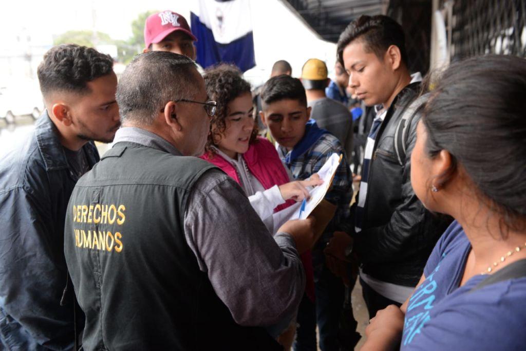 El secretario de la ANPDH, Álvaro Leiva, gestiona apoyo a los nicas refugiados en Costa Rica. LA PRENSA/ MANUEL ESQUIVEL
