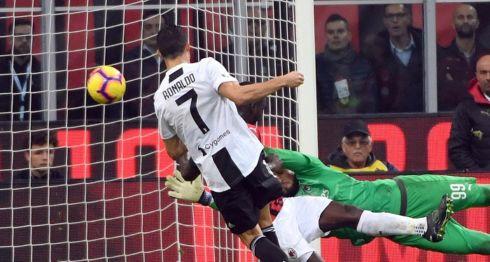 Cristiano Ronaldo anotó el segundo gol del Juventus ayer. LA PRENSA/EFE/EPA/DANIEL DAL ZENNARO