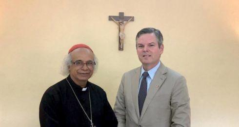 El embajador de Estados Unidos en Nicaragua, Kevin Sullivan, visitó este miércoles al cardenal, Leopoldo Brenes