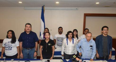 Los miembros de la UNAB durante una conferencia de prensa. LA PRENSA/ Roberto Fonseca.