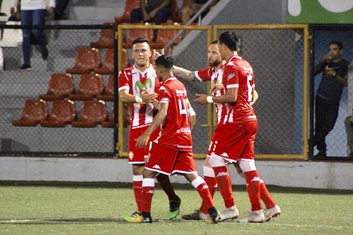 Luis Manuel Galeano (izquierda) marcó un doblete y el Real Estelí goleó 5-2 al Juventus en la vuelta de la semifinal del Torneo de Apertura de la Liga Primera este sábado. LA PRENSA/CORTESÍA/REAL ESTELÍ